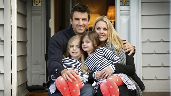 Darren Jolly with wife Deanne and daughters Scarlett and Lily. Image: News Limited