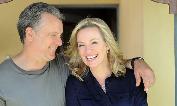 There Back!  Rebecca Gibney and Erik Thomson return with new drama on Seven in 2015. image - Seven Network
