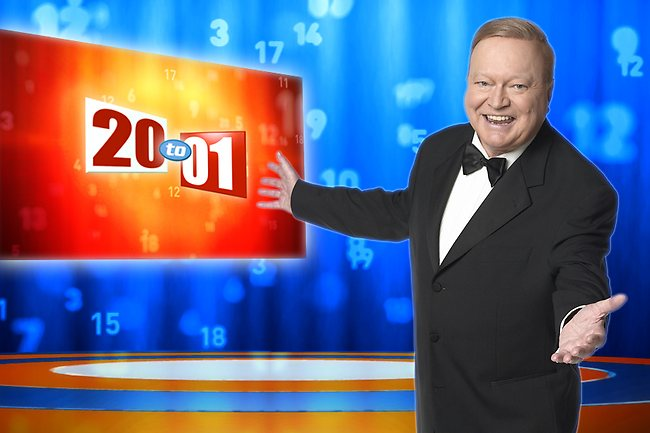 Former 20 to 1 host Bert Newton Image - Nine
