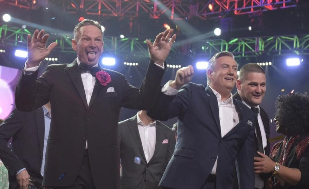 Sam Newman and Eddie McGuire wave goodbye at 2018 Footy Show Grand Finale  image source - News Corp