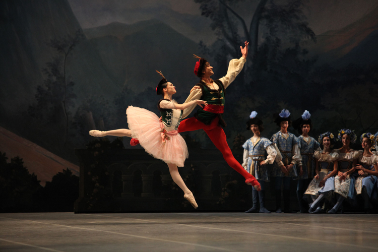 Olesia Novikova and Friedemann Vogel in Raymonda ©Teatro alla Scala