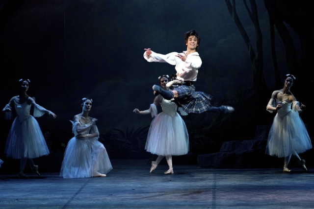 Friedemann Vogel in La Sylphide Photo (c) Lelli e Masotti