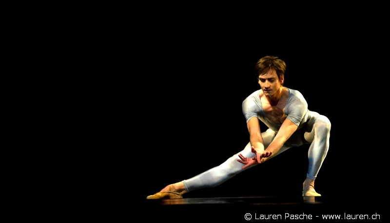 Friedemann Vogel in ''Songs of a wayfarer'' with BBL Photo (c)Lauren Pasch