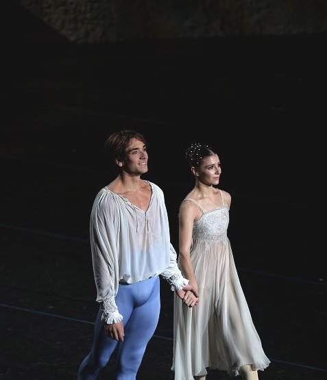 Alina Cojocaru and Friedemann Vogel in Romeo&Juliet (c) Hidemi Seto