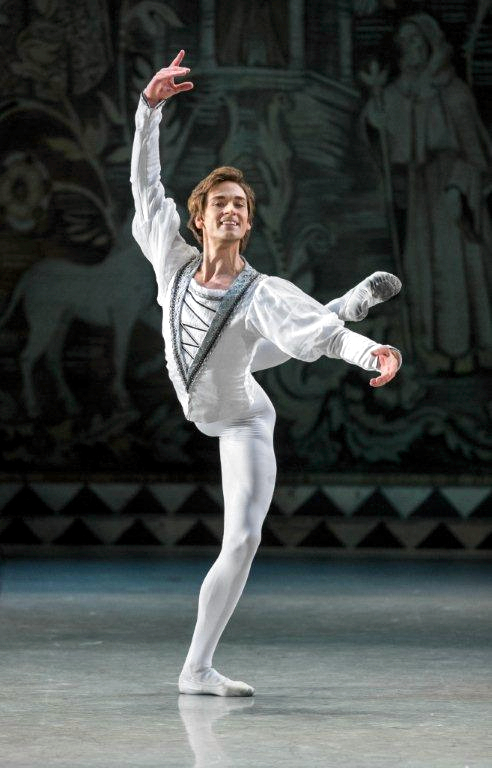 Friedemann Vogel in Swan Lake (c) Mikhailovsky Theatre St.Petersburg