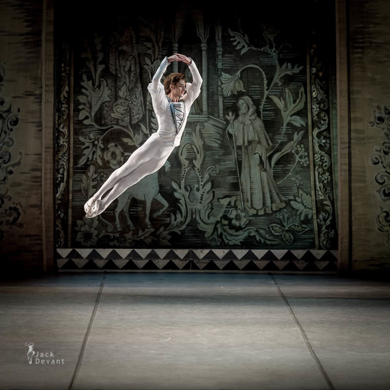 Friedemann Vogel in Swan Lake  (c) Jack Devant