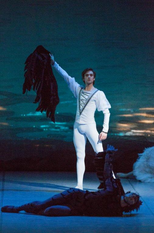 Friedemann Vogel in Swan Lake  (c) The Mikhailovsky Theatre