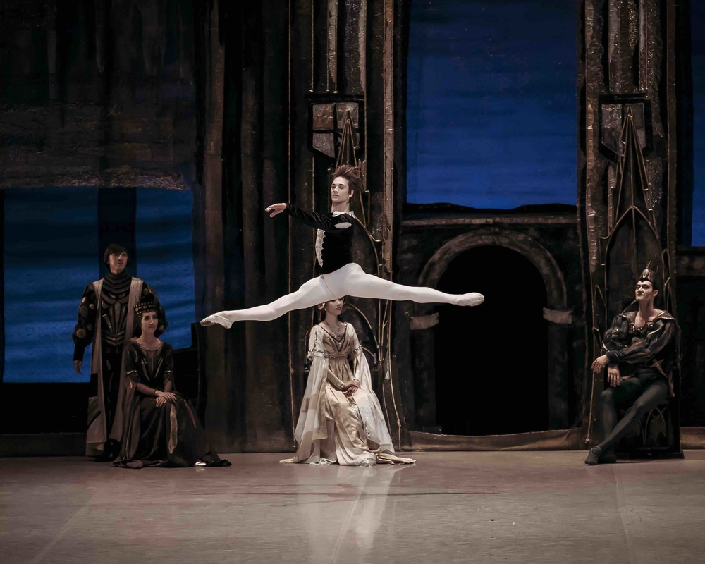 Swan Lake with Korean National Ballet Photo (c) Korean National Ballet