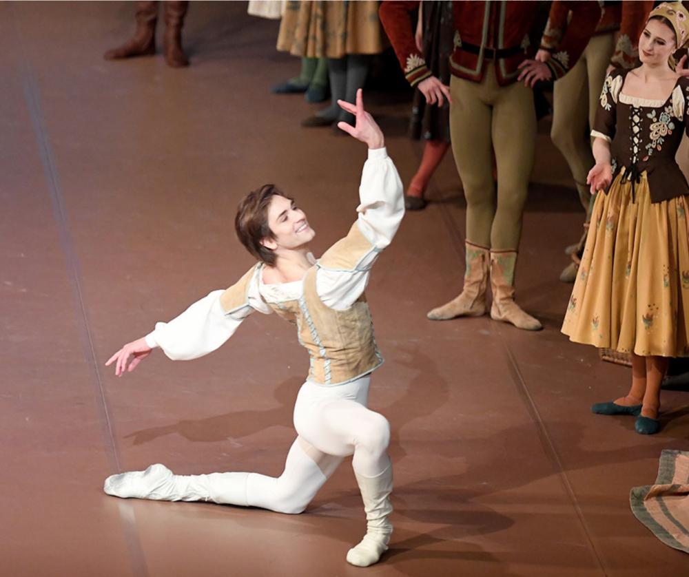 Friedemann Vogel Swan Lake John Cranko (c) Stuttgart Ballet