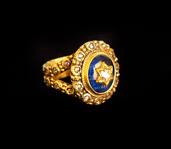18k-Gold-Blue-Sapphire-Star-Ring-with-Diamonds.jpg