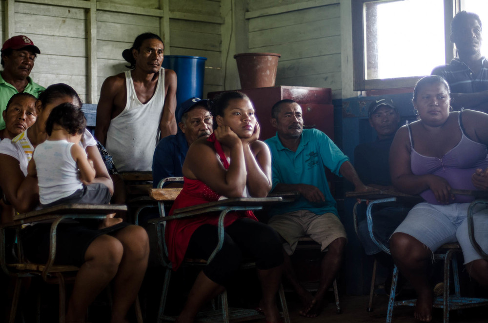 Village Meeting about the Canal, Bangkukuk - photo, Tom Miller