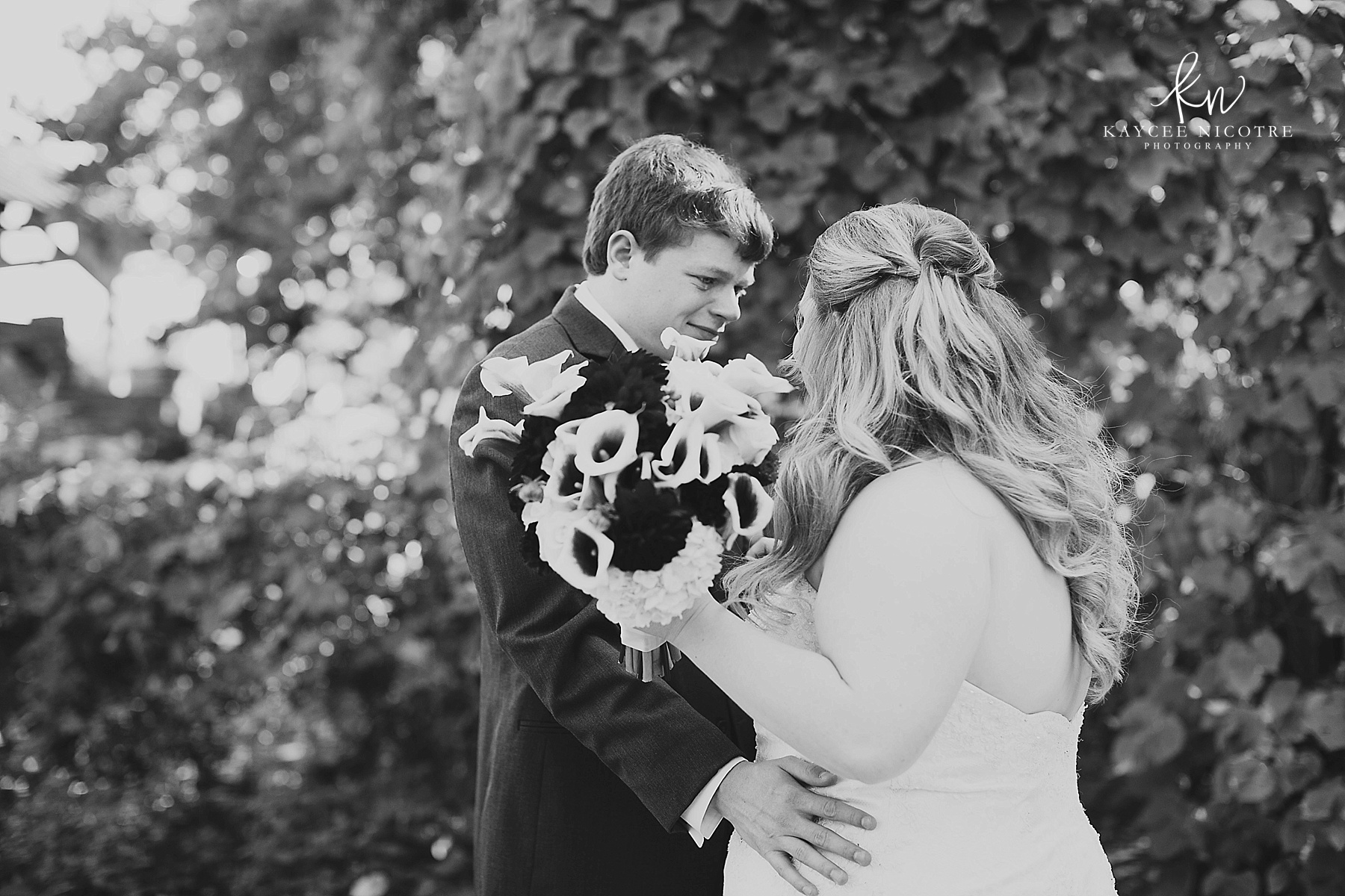 Such a special moment between the groom and bride during their First Look.