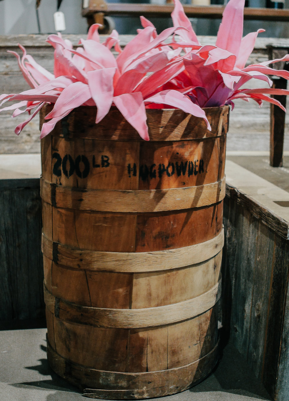 Wooden Hog POwder Barrel-2.jpg