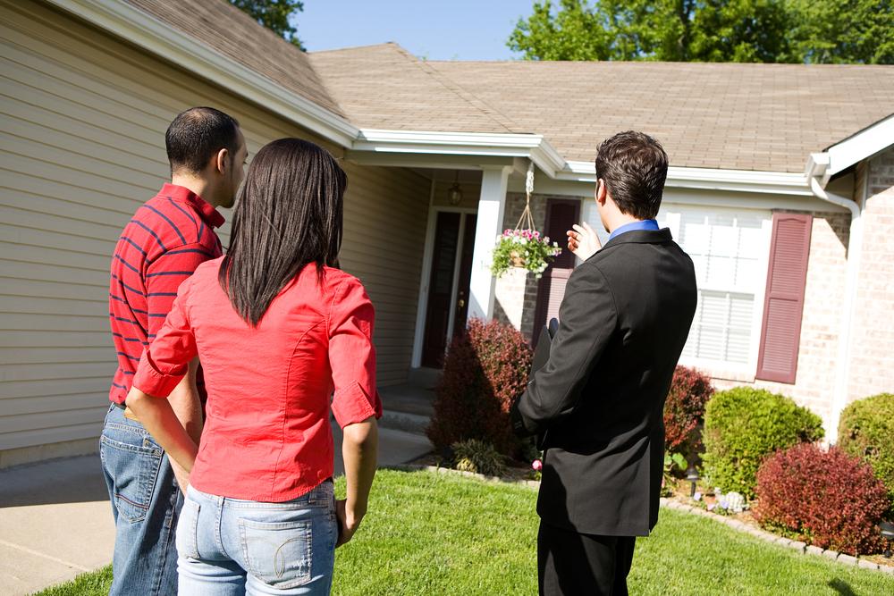 agent buyers shutterstock_171921932.jpg