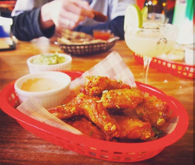 What a great day! Make it even better by sharing some wings and a few beverages with your favourite amigos! . #amigo #wings #mexicanfood