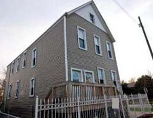 3825 W. Diversey Pkwy. Chicago 3 unit multifamily building Buy/hold for investment Seller representation