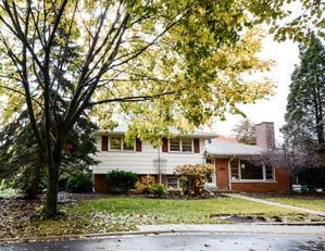 4135 Crain St. Skokie Single family home Value-add opportunity Seller representation