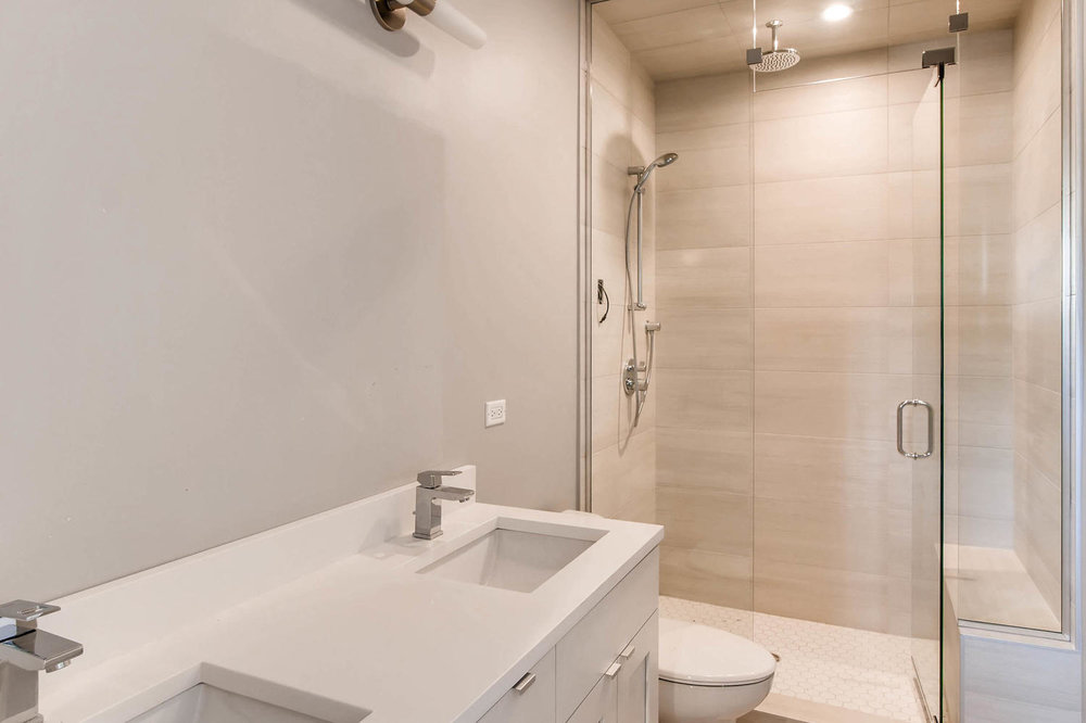 2848 N Damen Ave Chicago IL-large-018-4-2nd Floor Master Bathroom-1500x999-72dpi.jpg