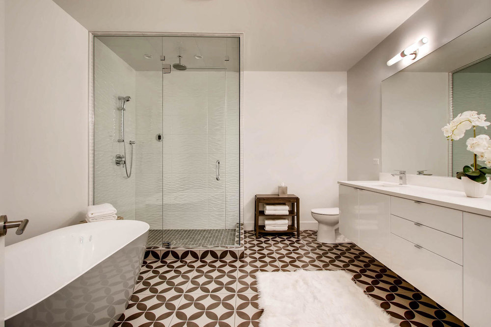 2903 W Lyndale St Unit 1-large-021-24-Lower Level Master Bathroom-1500x1000-72dpi.jpg