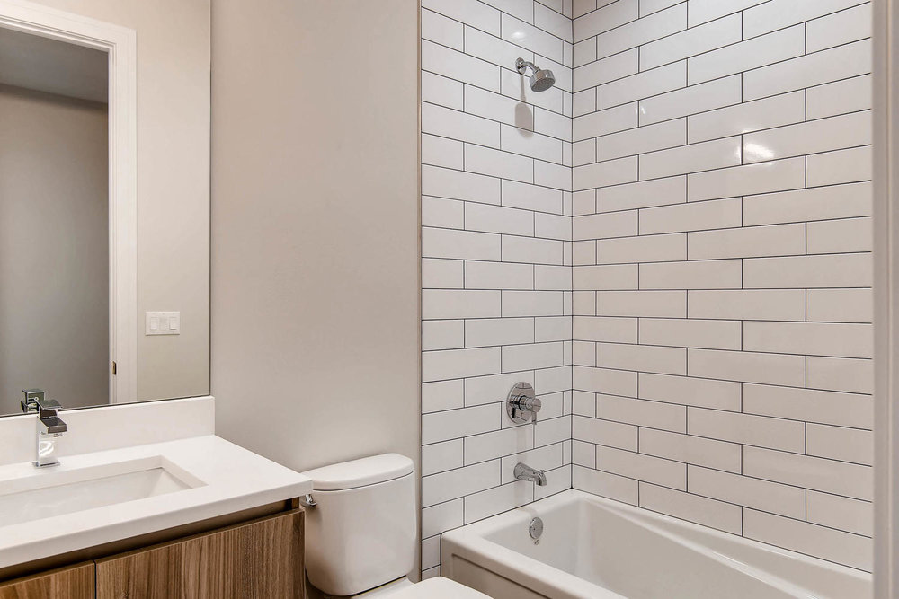 Guest bath at 877 N Marshfield Ave Unit 2, Chicago, IL