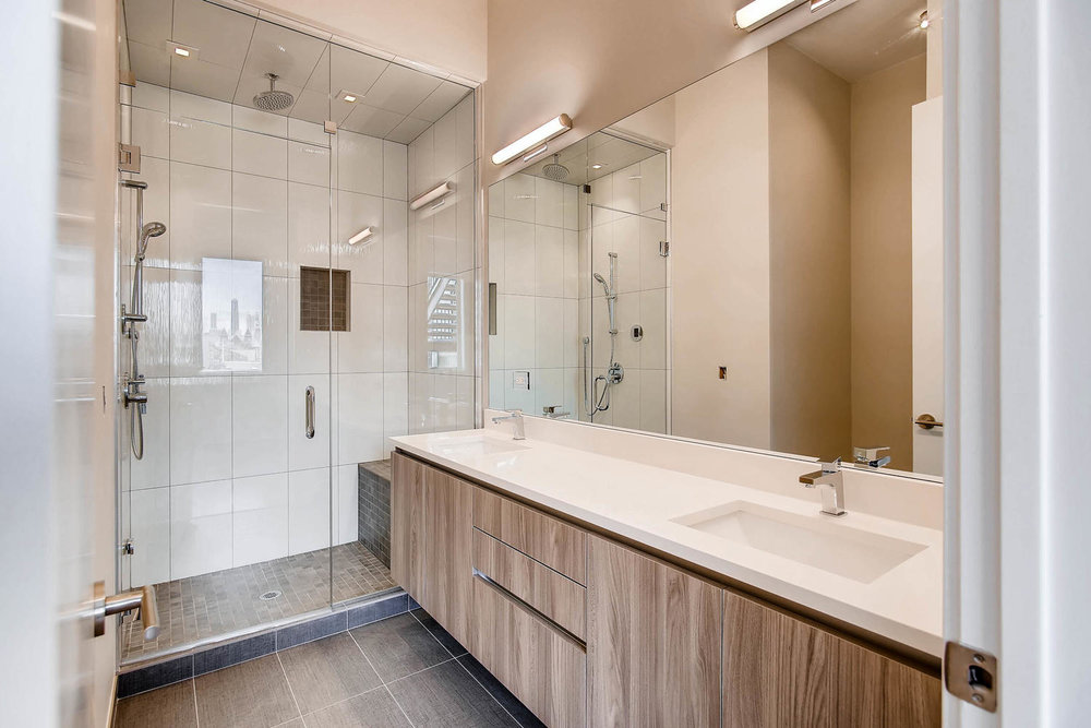 Master bath at 877 N Marshfield Ave Unit 3, Chicago, IL