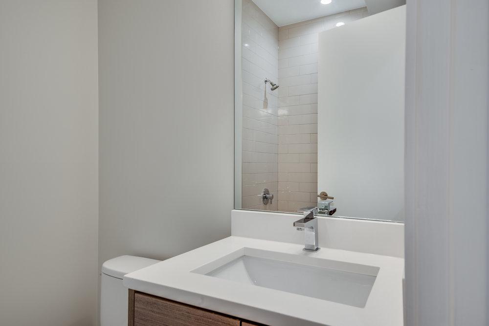 Guest bath at 1012 N Paulina St Unit 1, Chicago, IL