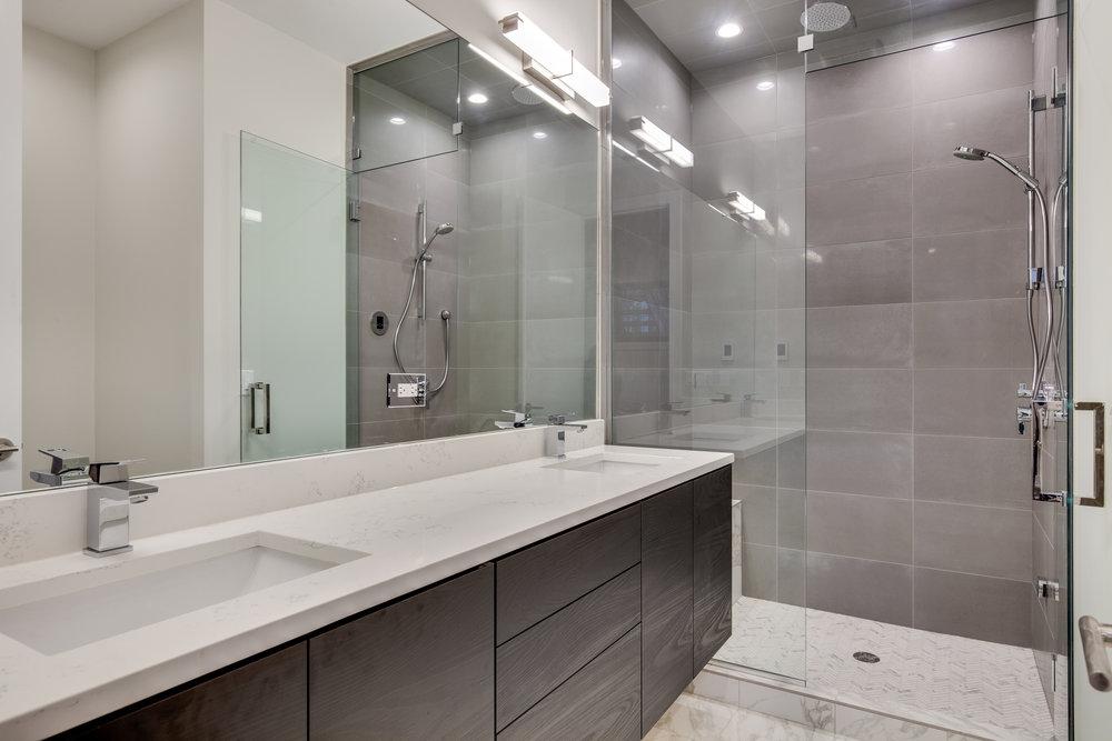 Master bath at 1012 N Paulina St Unit 2, Chicago, IL