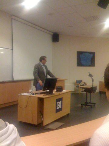 Foredrag i anledning av BIS-dagen på BI med Per Kristian Foss. Han skal snakke om globaliser og Norge, krisepakken som kom i går med mer.