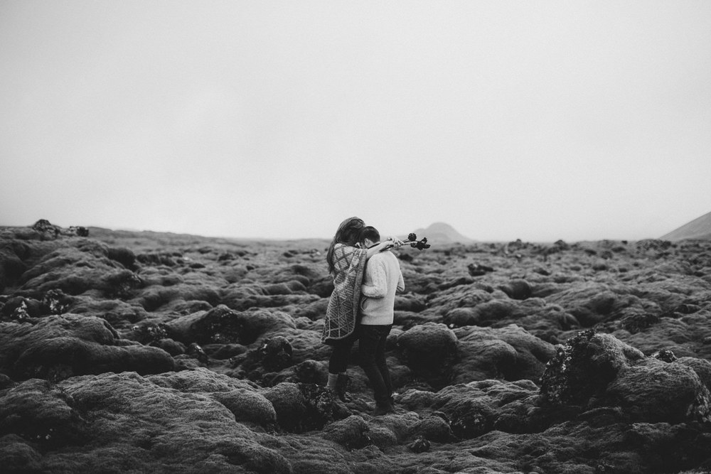 ICELAND_ELOPEMENT_SAMMBLAKE_BROOKETAVIS_WEDDING_007.jpg