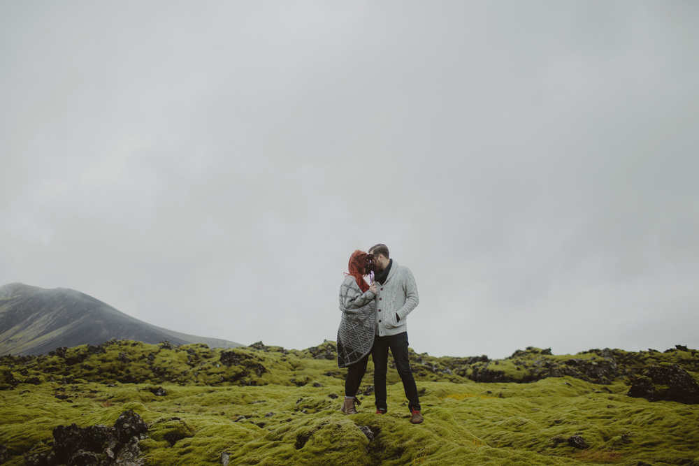 ICELAND_ELOPEMENT_SAMMBLAKE_BROOKETAVIS_WEDDING_010.jpg