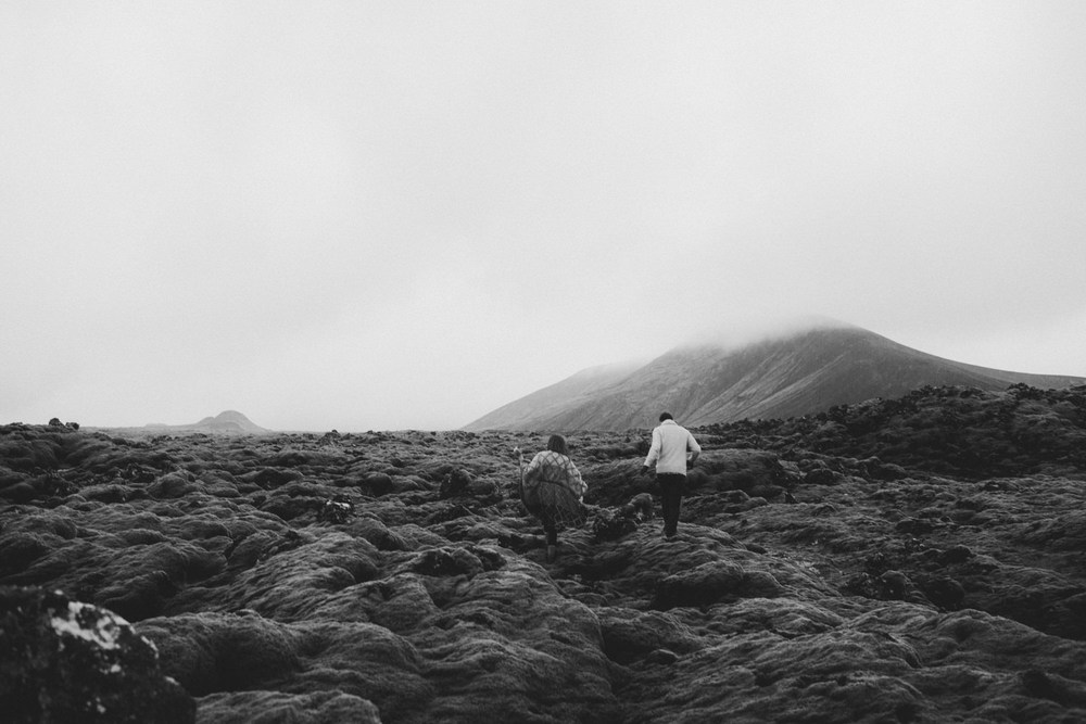 ICELAND_ELOPEMENT_SAMMBLAKE_BROOKETAVIS_WEDDING_017.jpg