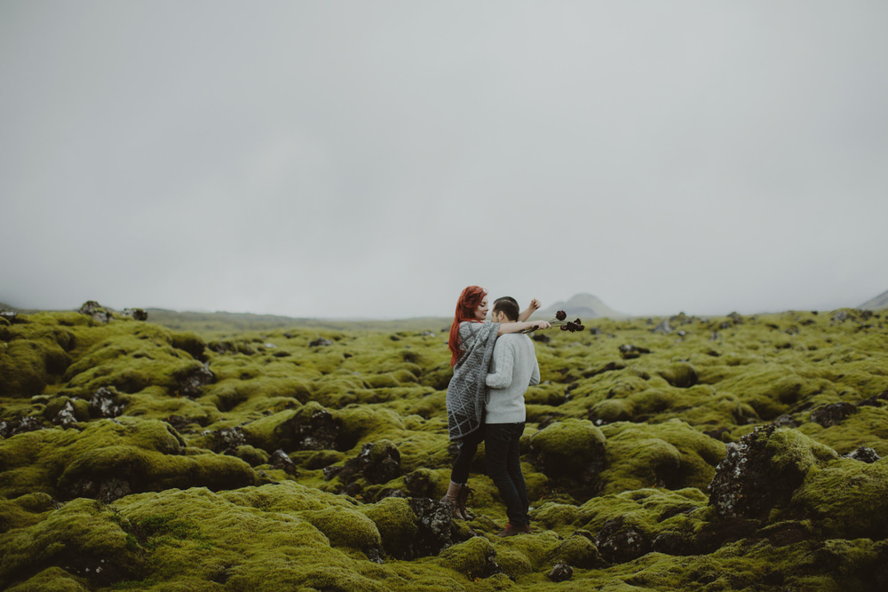 ICELAND_ELOPEMENT_SAMMBLAKE_BROOKETAVIS_WEDDING_019.jpg