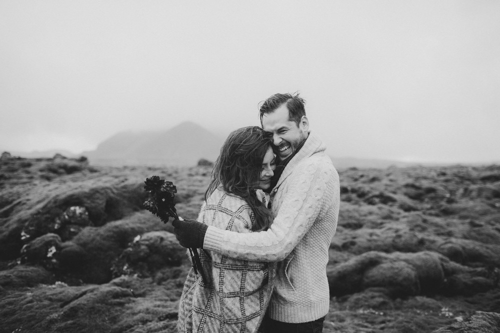 ICELAND_ELOPEMENT_SAMMBLAKE_BROOKETAVIS_WEDDING_030.jpg