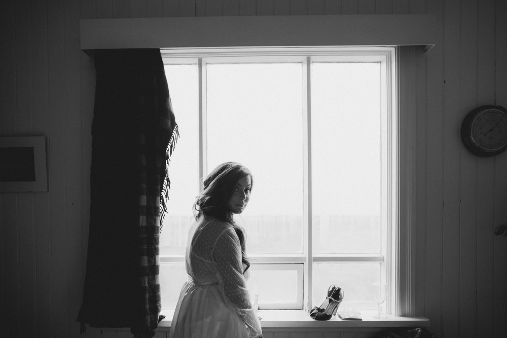 iceland_elopement_wedding_sammblake_019.jpg