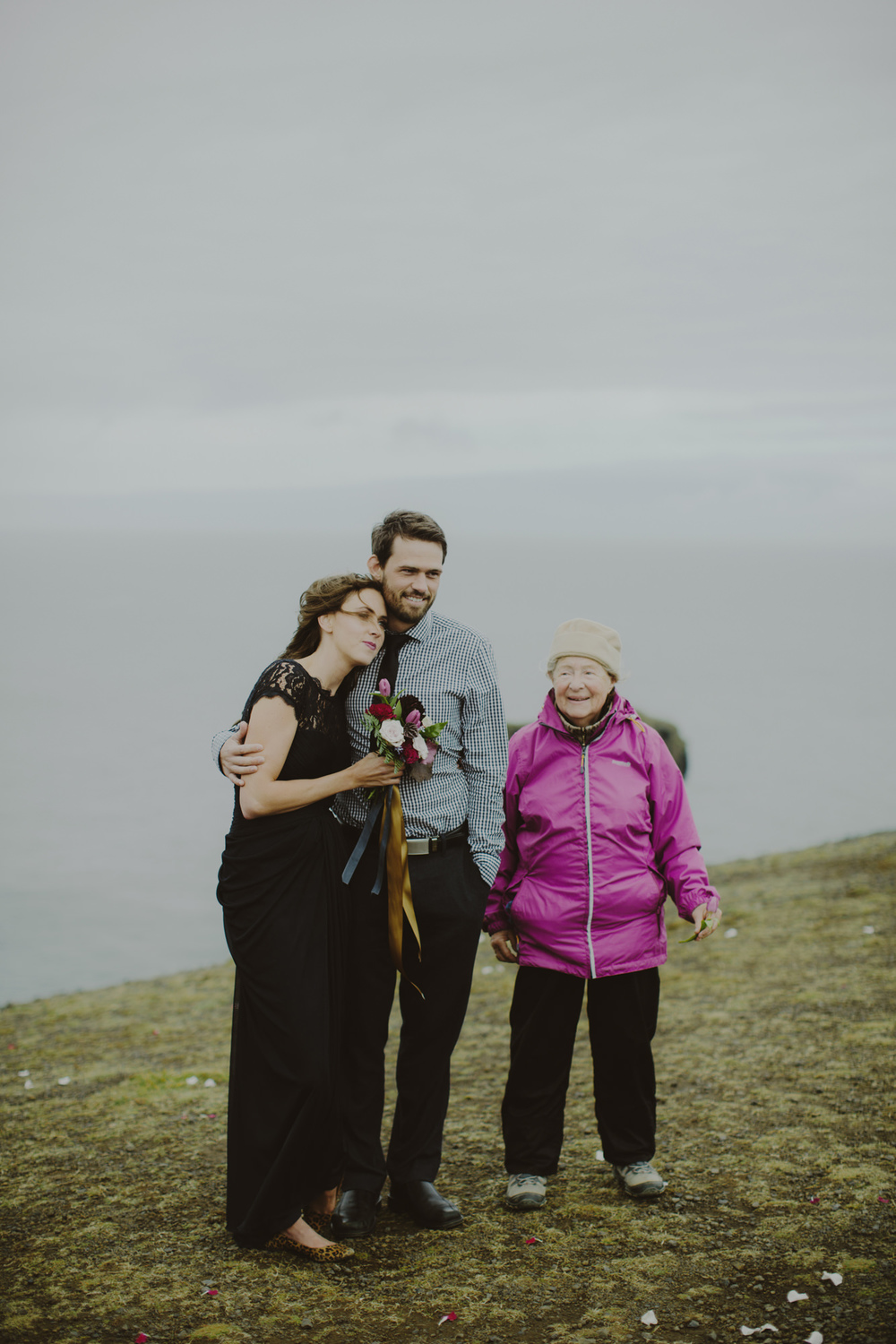 iceland_elopement_wedding_sammblake_045.jpg
