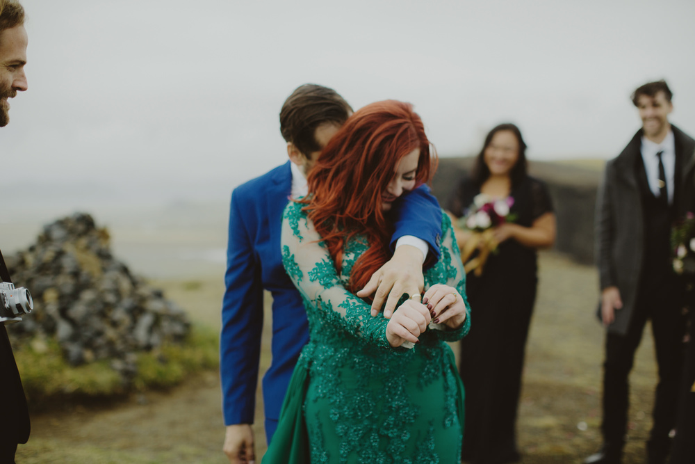 iceland_elopement_wedding_sammblake_047.jpg