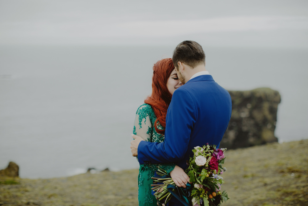 iceland_elopement_wedding_sammblake_054.jpg