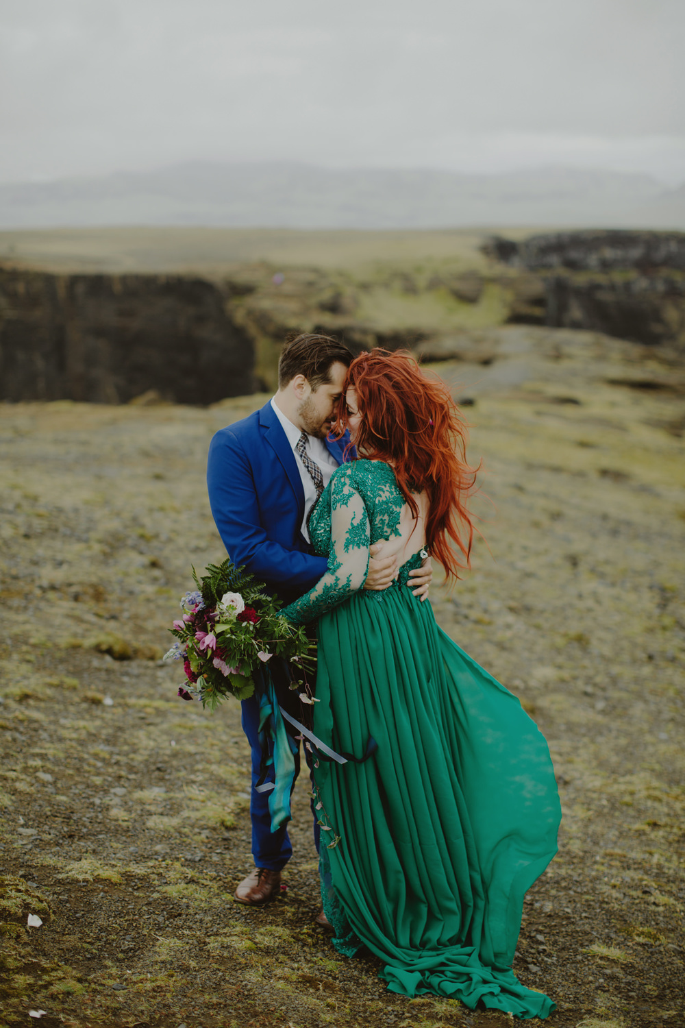 iceland_elopement_wedding_sammblake_056.jpg