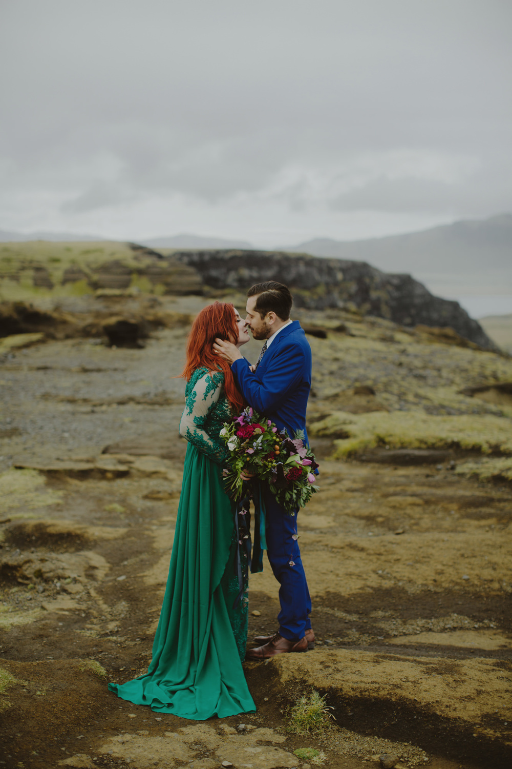 iceland_elopement_wedding_sammblake_066.jpg