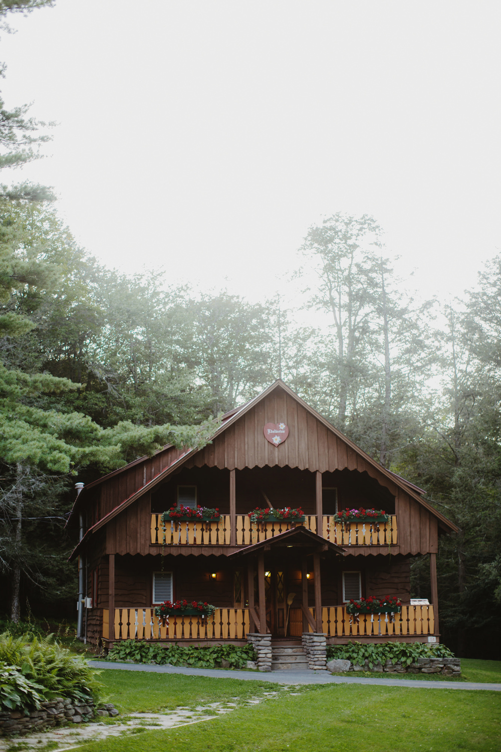 catskills_big_indian_springs_upstate_NY_wedding_sammblake001.jpg
