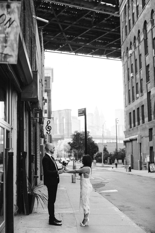 NYC_ELOPEMENT_CITYHALL_BROOKLYN_SAMMBLAKE_0031.jpg