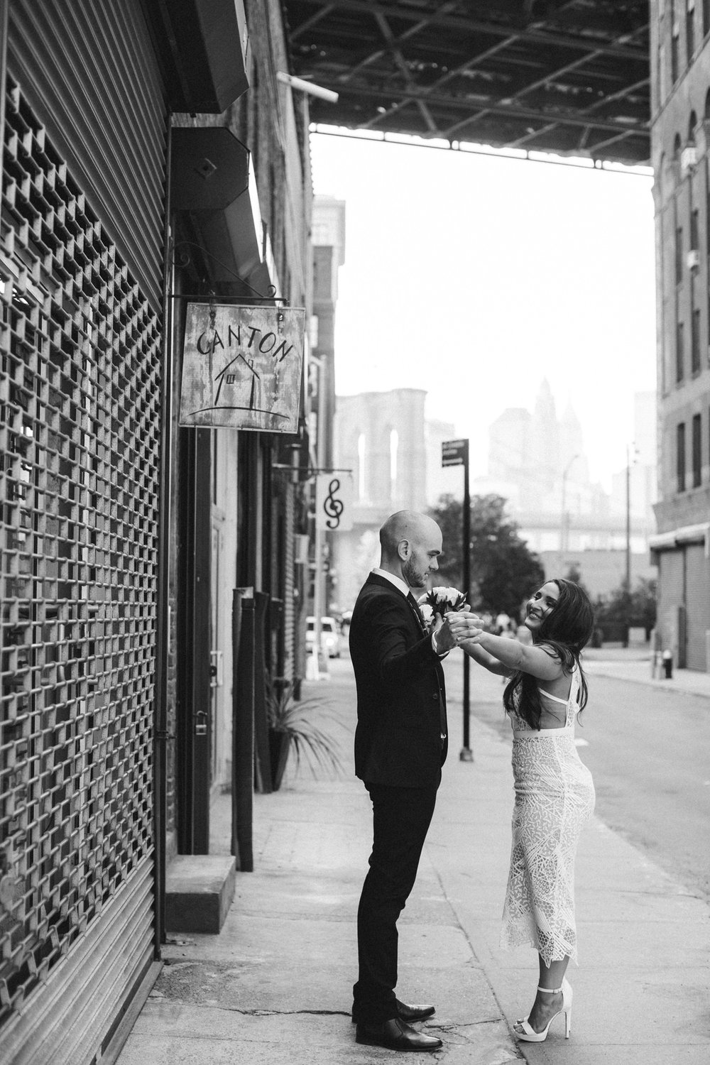 NYC_ELOPEMENT_CITYHALL_BROOKLYN_SAMMBLAKE_0032.jpg