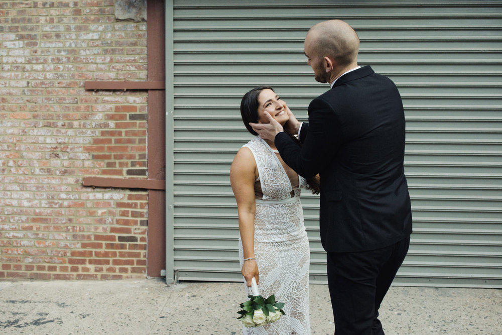 NYC_ELOPEMENT_CITYHALL_BROOKLYN_SAMMBLAKE_0034.jpg