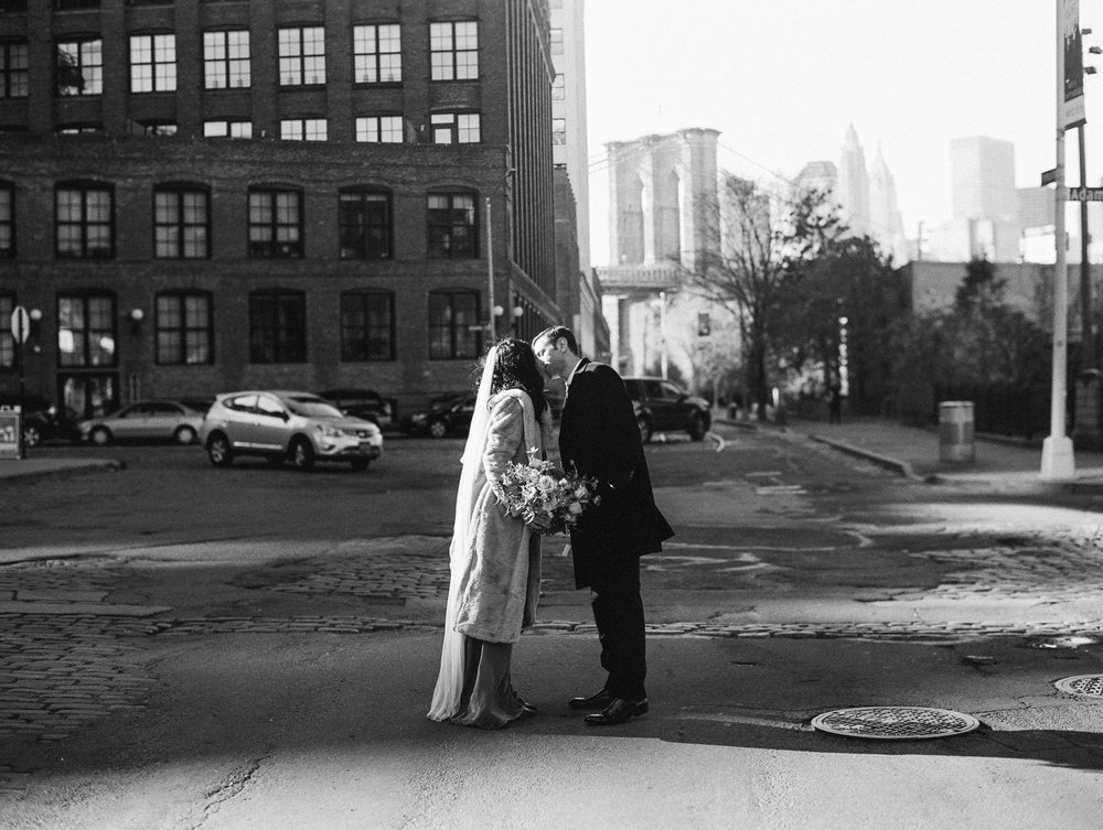 BROOKLYN_ELOPEMENT_SAMMBLAKE_NDE_029.jpg