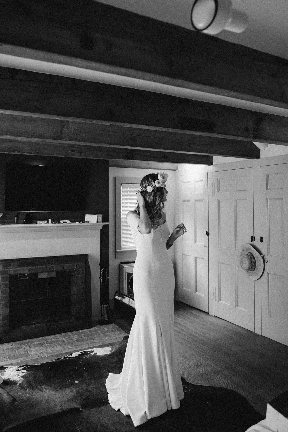 FOXFIREMOUNTAINHOUSE_CATSKILLS_WEDDING_SAMMBLAKE_PJW_0132.jpg