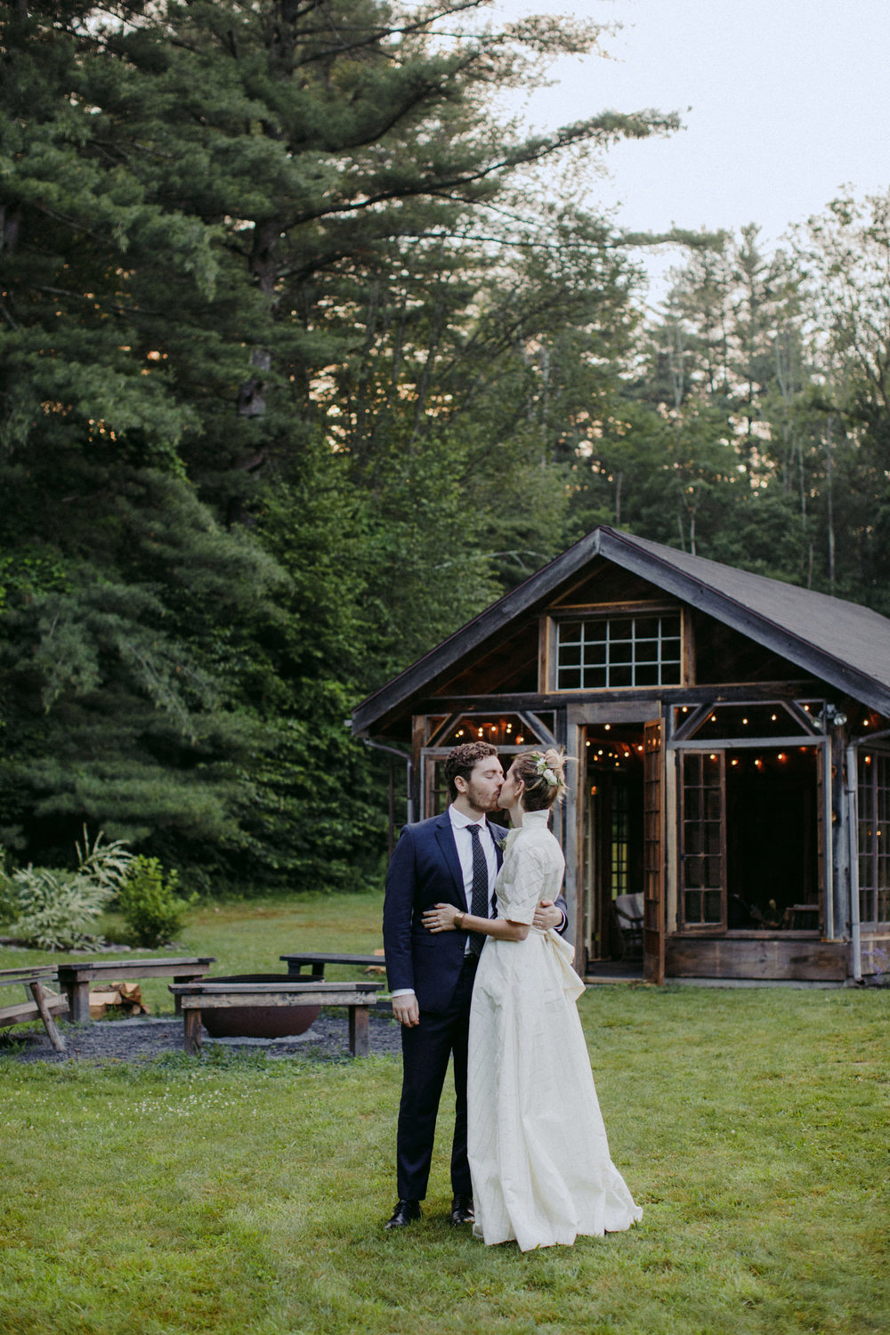 FOXFIREMOUNTAINHOUSE_CATSKILLS_WEDDING_SAMMBLAKE_PJW_0783.jpg