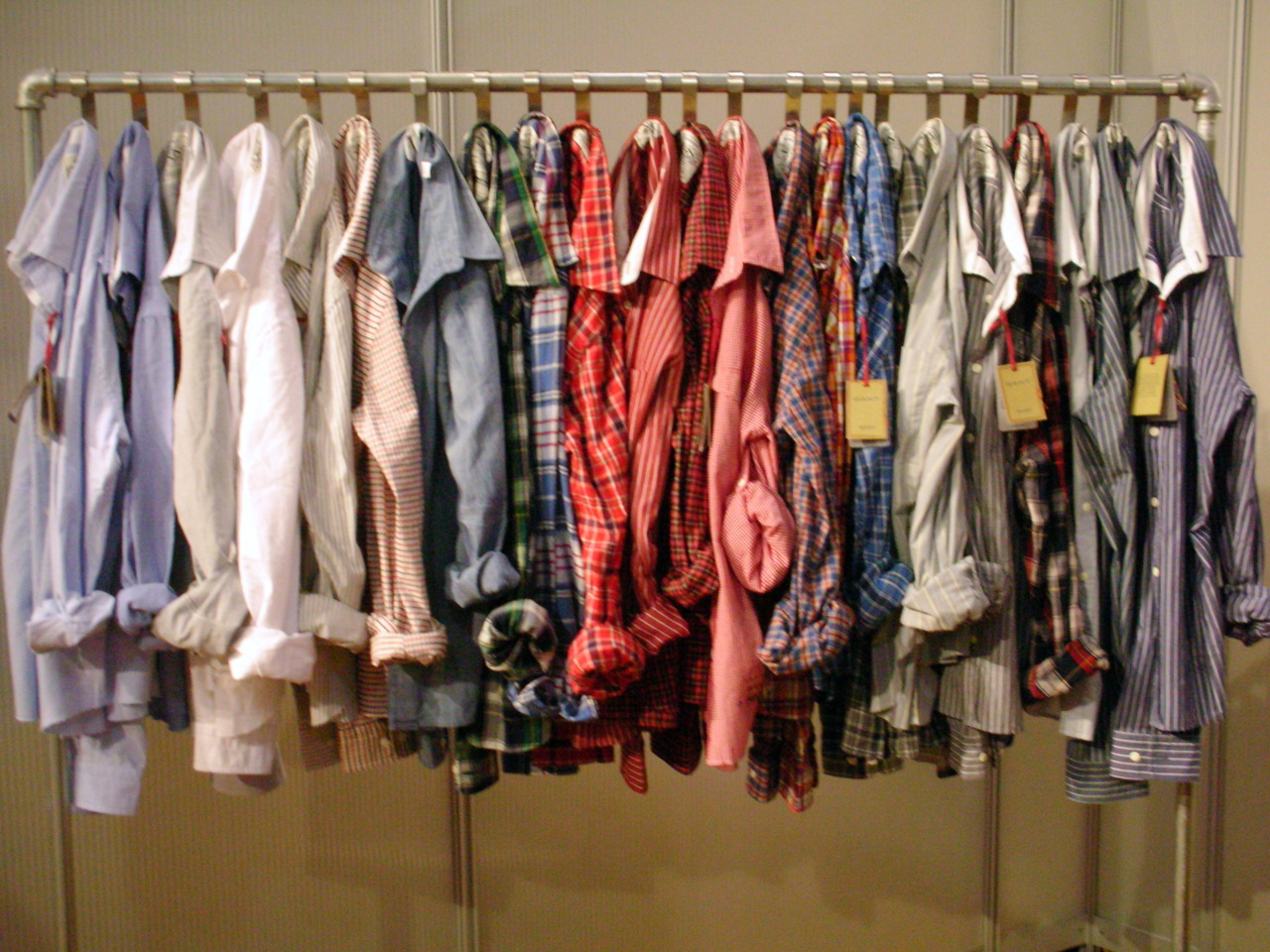 thatkindofwoman :     I own eight Oxford Button ups. Four are men's (thrifted) and four are women's. I need more. Haha.
