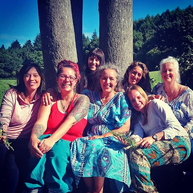 Another amazing weekend of assisting on an Arvigo®️ Therapy Self Care weekend. Beautiful women and beautiful weather. I just love these weekends so much! #arvigo #arvigotherapy #selfcare #sisterhood #womb #women #empowerment #retreat #selflove