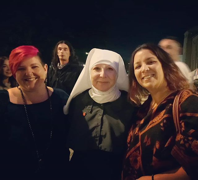 Meeting Sister Kate from the Sisters of the Valley @sistersofthevalley @sistersofcbd in Southampton. Sister Kate's talk was so inspiring and entertaining. Totally loved it. ❤️❤️ #weednuns #sistersofthevalley #sotv #sotvuk #cbd #legalizeit #legaliseit