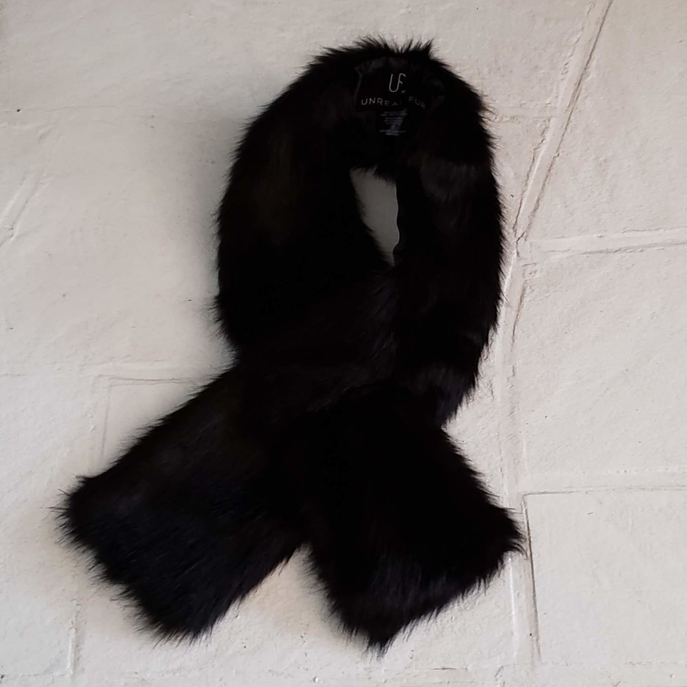 faux fur scarf $5